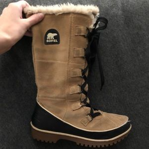 Sorel tall boots size 7